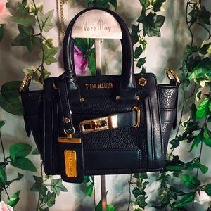 Black mini Steve Madden bag 🖤